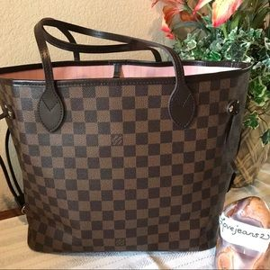 Louis Vuitton Neverfull Rose MM